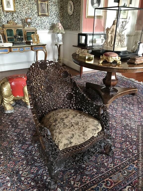 Удивительное резное кресло и другие артефакты