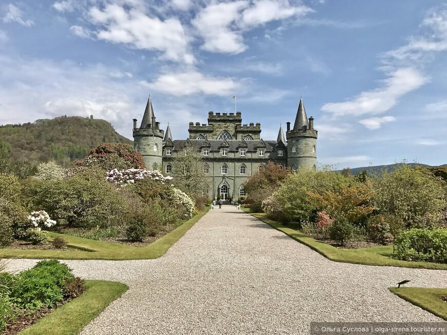 Замок Инверари как-будто из волшебной сказки про Золушку