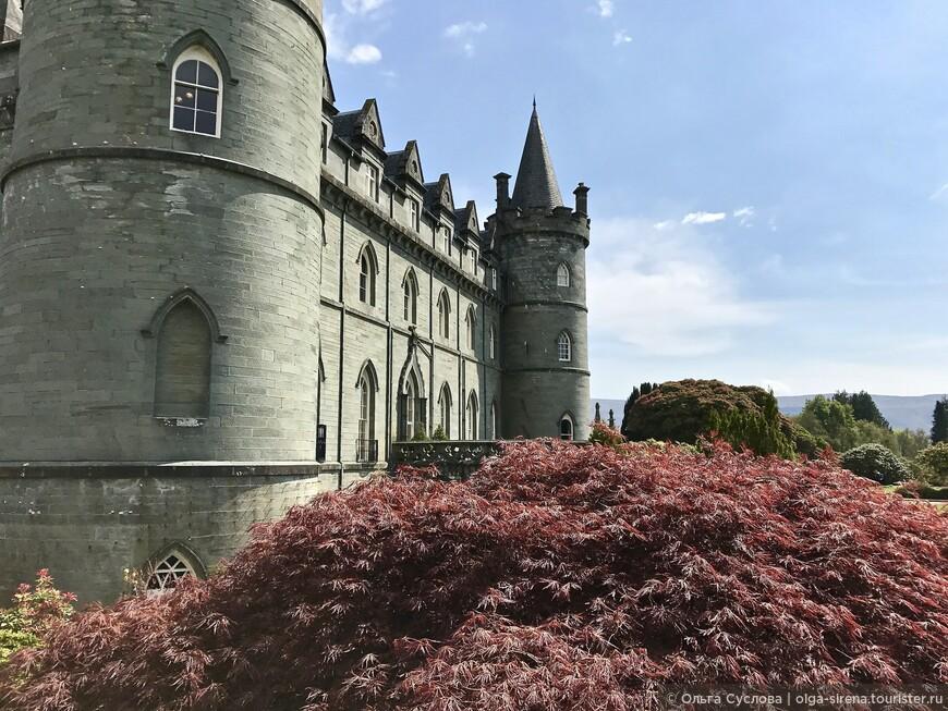 Замок Инверари окружен великолепными садами, браво садовникам!