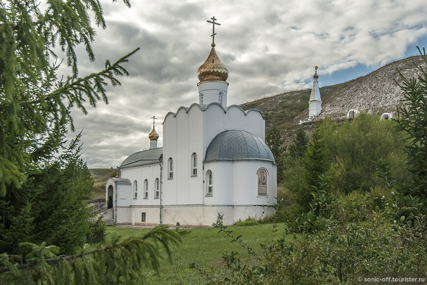 Церковь Иконы Божией Матери Взыскание Погибших и Затворнические пещеры