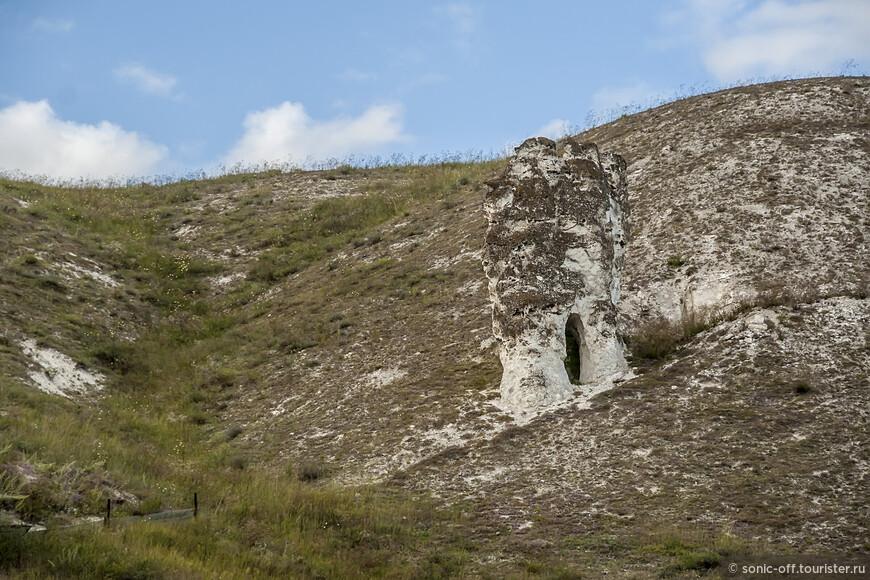 Многие исследователи сходятся во мнении, что пещерным храмам на берегах Придонья больше 1000 лет.
