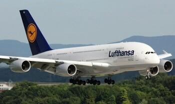 Туристов предупреждают о забастовке бортпроводников авиакомпании Lufthansa