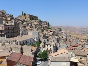На Сицилии вновь раздают дома за 1 евро
