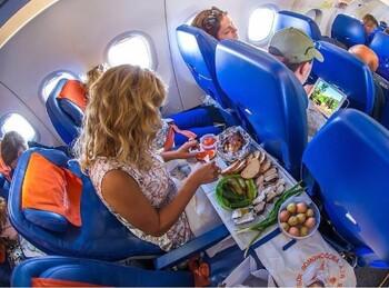 Каждый второй российский турист берёт с собой еду в самолёт