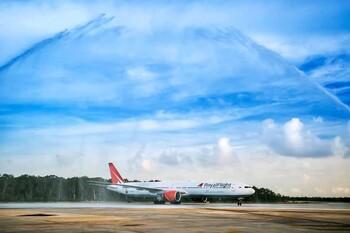Первый рейс Coral Travel в Канкун встретили в аэропорту водной аркой