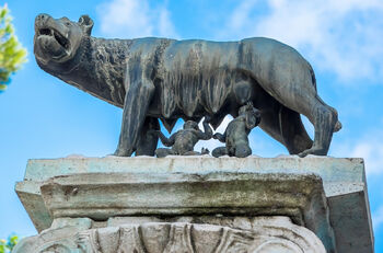 Скульптура волчицы на Капитолийском холме