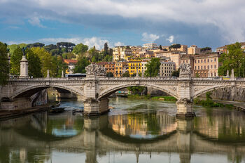 Река Тибр в Риме