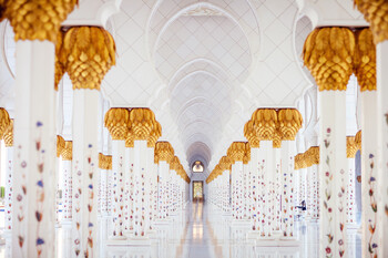 За полгода ОАЭ посетили более 600 000 туристов из РФ