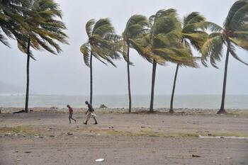 В Доминикане в связи с ураганом эвакуированы туристы