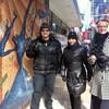 Зимой в Нью-Йорке действительно очень холодно, одевайтесь теплее, здесь я и мои туристы одеты правильно:)