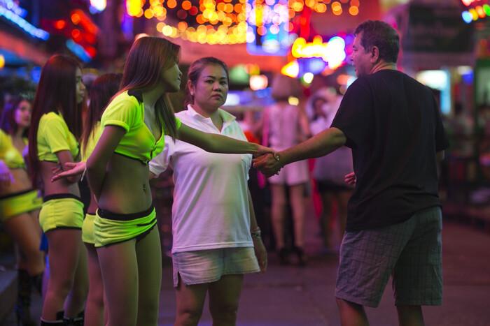 Отзывы тайские проститутки снять маленькую проститутки