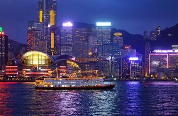 В Гонконге зафиксирован крупнейший спад туризма за 16 лет