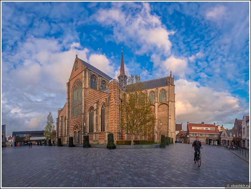 Гус. Церковь Марии Магдалины - Grote of Maria Magdalenakerk. 15-ый век.