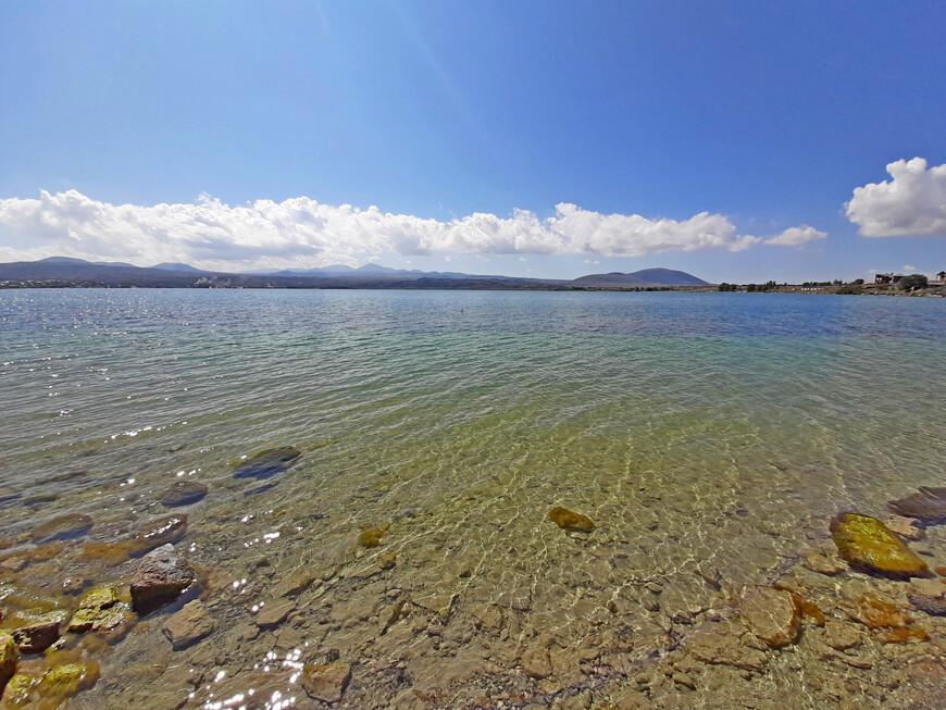 И вот оно - озеро Севан, жемчужина Армении, сердце Малого Кавказа.
