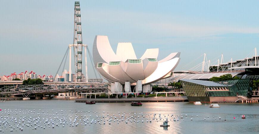 Музей искусства и науки <br/> в Сингапуре
