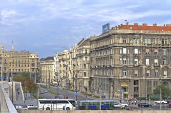 Автобусы на Kossuth Lajos utca