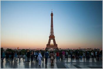 Эйфелева башня в Париже закрыта из-за забастовки