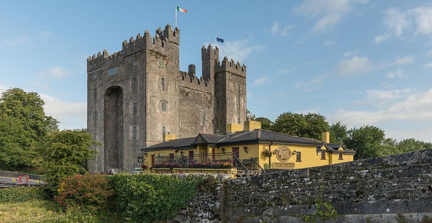 Замок Бунратти