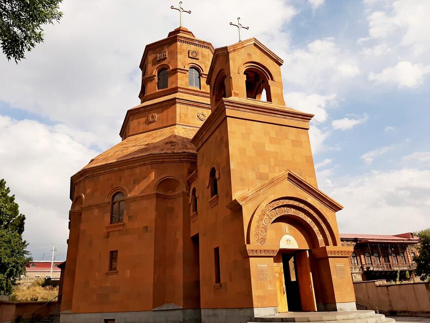 Кафедральный собор для армян -католиков был открыт в 2015 году, в 100-летнюю годовщину Геноцида армян. В честь этой даты по решению главы епархии архиепископа Рафаела Минасяна церковь получила название Святых Мучеников. А во дворе храма был установлен хачкар, увековечивающий память мучеников.   Во время геноцида 1915 года погибло около 100 тысяч армян-католиков, те, кому удалось спастись, в основном, осели в Бейруте, Халебе, а также на Западе. В Армении католики, главным образом, сосредоточены на  севере страны, поэтому собор и построили в Гюмри.  На протяжении почти целого века армяне-католики Гюмри не имели своей церкви, и все обряды совершали в апостольских храмах города. В июне 2016 года Армению впервые посетил Папа Римский Франциск.