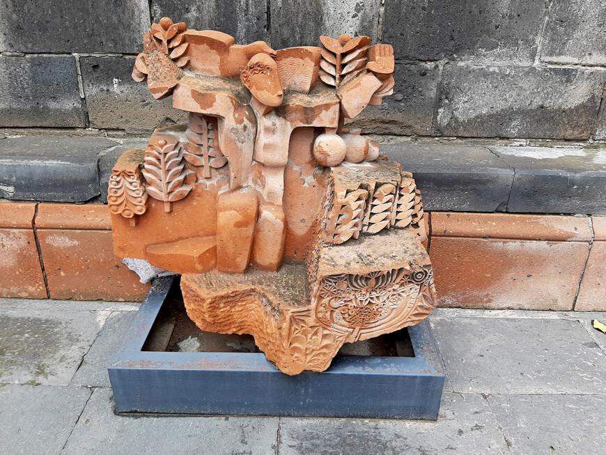 Музей  в доме скульптора  С.Д. Меркурова  был открыт в Гюмри в 1984 г. В 1988 г. здание пострадало от землетрясения, было восстановлено в 2003 г.