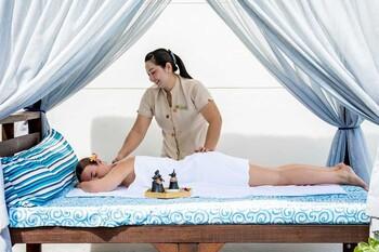 Отель на острове Самуи привлекает туристов бесплатными массажами