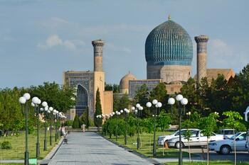 Турпоток из РФ в Узбекистан вырос на четверть