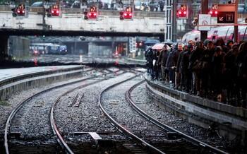 Забастовка в Париже вновь вызвала проблемы с транспортом