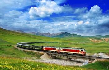 В Китае запущен специальный поезд для туристов