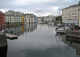 Норвежский красавец Олесунн
