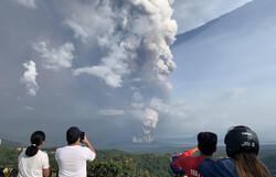 На Филиппинах жителей столицы эвакуировали из-за извержения вулкана