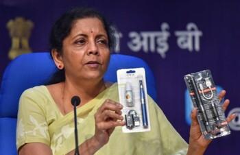 Индия запретила ввозить электронные сигареты