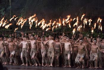 Национальное шоу в этнодеревне народностей Ли и Мяо