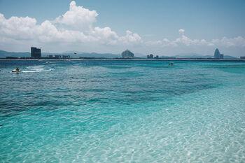 Морская вода у берегов Хайнаня