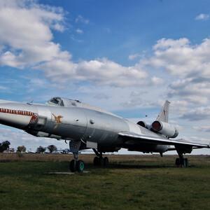 Самолёты на лётном поле Музея авиации