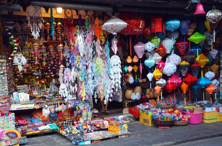 Торговые лавки в Хойане