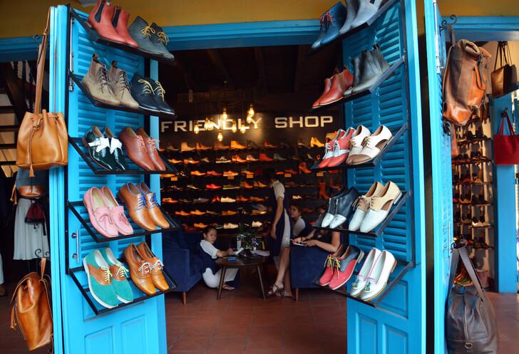 Обувной магазин в Хойане