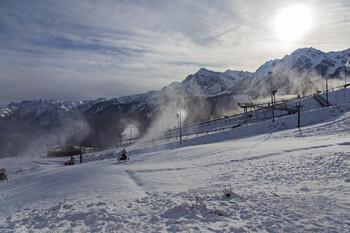 В горах Сочи начались снегопады