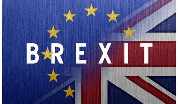 Королева Великобритании одобрила законопроект по Brexit