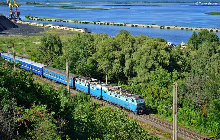 Поезд Волноваха — Киев