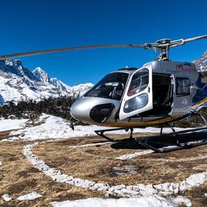 На вертолёте к Эвересту