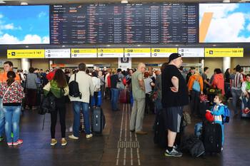 Российских туристов вывезут из Китая за неделю