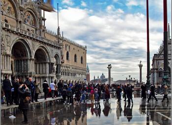 В Венеции вокруг собора Святого Марка возведут стеклянную стену