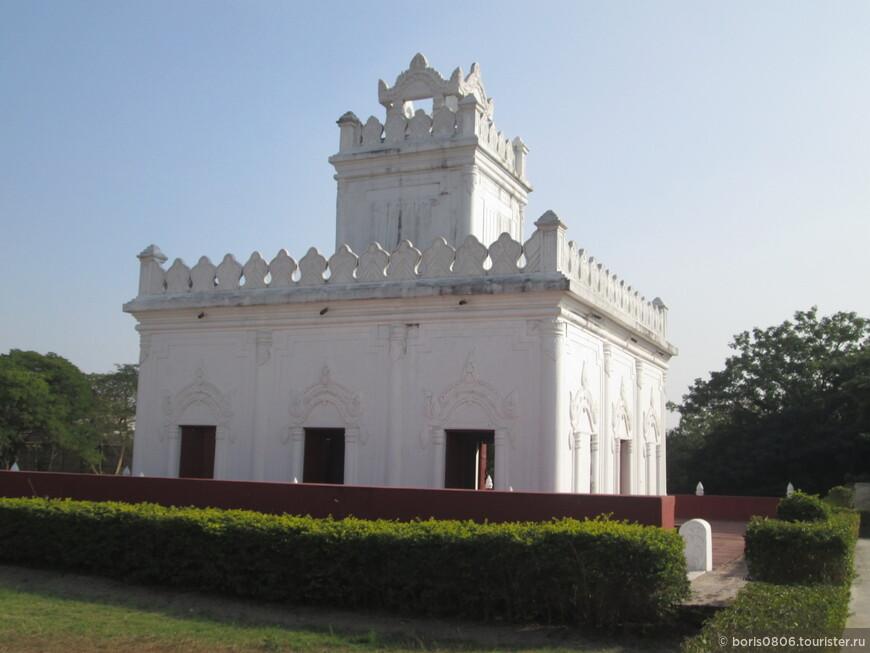 Королевский дворец-новодел