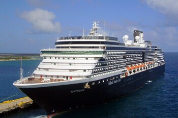 Ещё один лайнер с россиянами на борту может быть закрыт на карантин