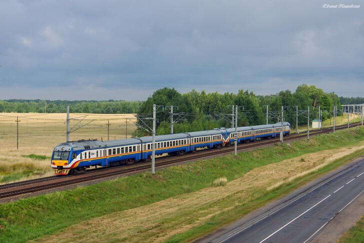 Поезд межрегиональных линий экономкласса Козенки — Минск