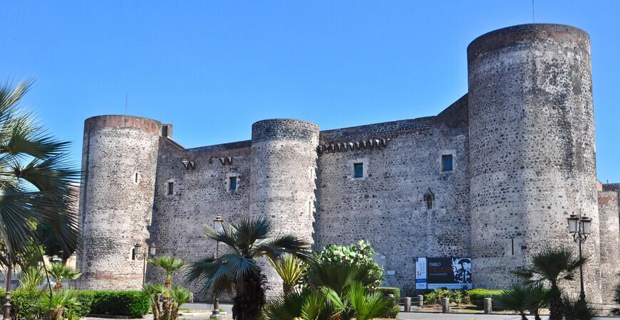 Замок Урсино (Castello Ursino)