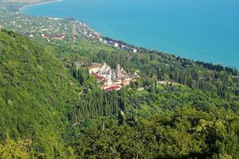 Более миллиона туристов посетили Абхазию в 2019 году