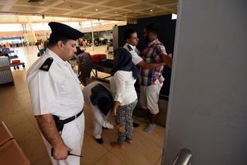 В Хургаде туриста арестовали за похлопывание охранника по спине