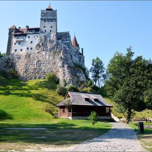 Замок Бран — вампирский бренд Румынии