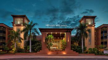 Почти тысяча туристов изолирована в отеле на Канарах из-за коронавируса